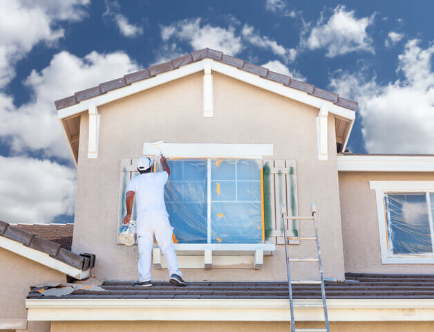 5 Reasons to Hire a Pro When Painting a House