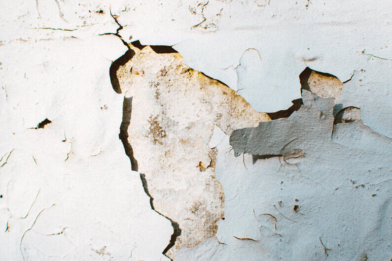 3 Hacks for Repairing Wall Cracks in Your Home