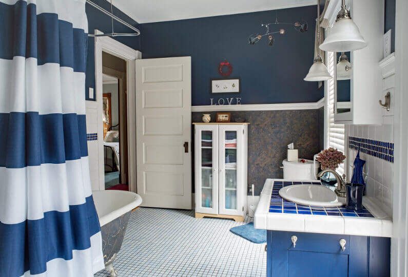 11 Beautiful Bathroom Paint Colors for Your Home